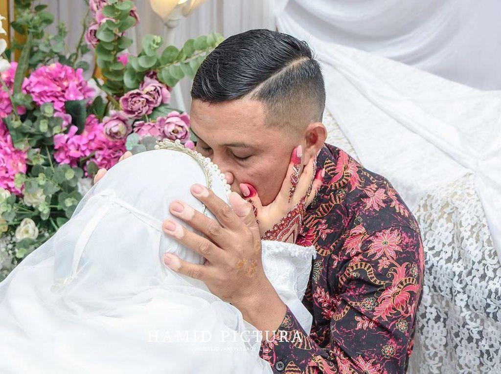 Viral Curhat Wanita Bercadar Menikah Disaksikan Ayahnya Seorang Pendeta