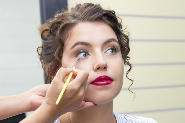 5 Eye Makeup Hacks yang Harus Dicoba