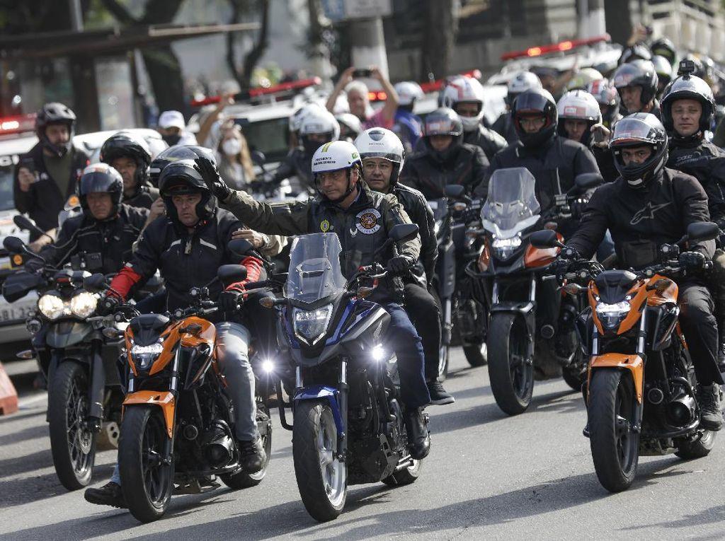 Hendak Hadiri Rapat, Presiden Brasil Konvoi Motor Bareng Pendukung