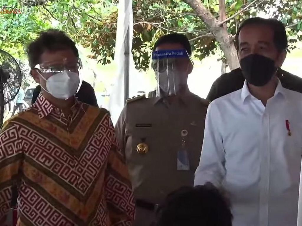 Jokowi Beri Target ke Anies: 7,5 Juta Penduduk DKI Tervaksinasi Akhir Agustus