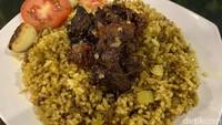 Kambing Babeh Dolof : Sedap Nendang! Kambing Rawit dan Kambing Gentong di Tempat Cucian Mobil