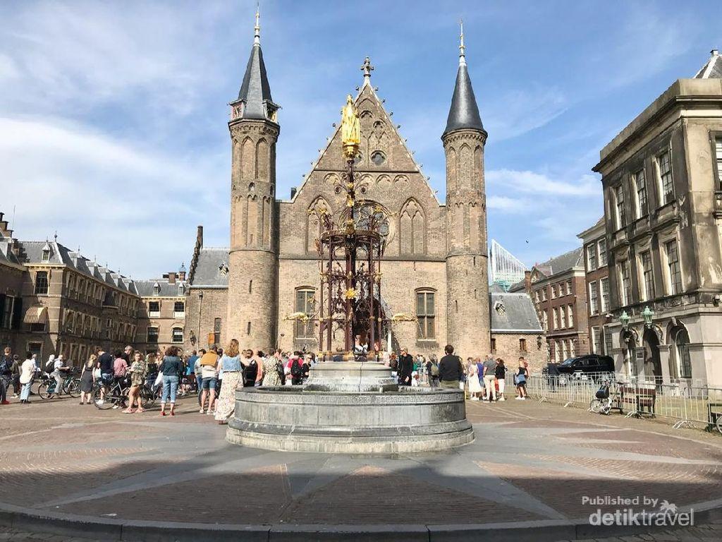 Leganya Menyusuri Jalanan Kota Den Haag