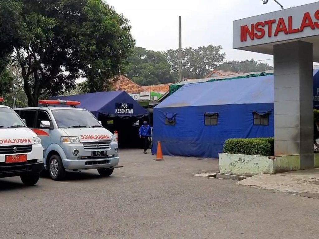 Ruangan Penuh, RS di Purwakarta Dirikan Tenda untuk Pasien Corona