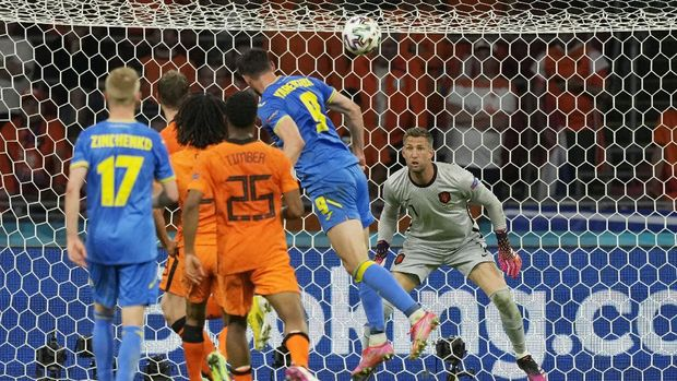Soccer Football - Euro 2020 - Group C - Netherlands v Ukraine - Johan Cruyff Arena, Amsterdam, Netherlands - June 13, 2021  Ukraine's Roman Yaremchuk scores their second goal Pool via REUTERS/Peter Dejong