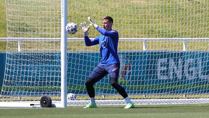 BURTON UPON TRENT, ENGLAND - JUNE 09:  Dean Henderson takes part in a drill during an England training session at St Georges Park on June 09, 2021 in Burton upon Trent, England. (Photo by Catherine Ivill/Getty Images)