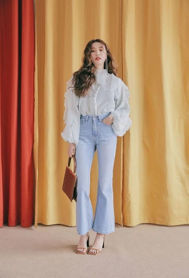 Tips Memakai Celana Cropped Flare Jeans