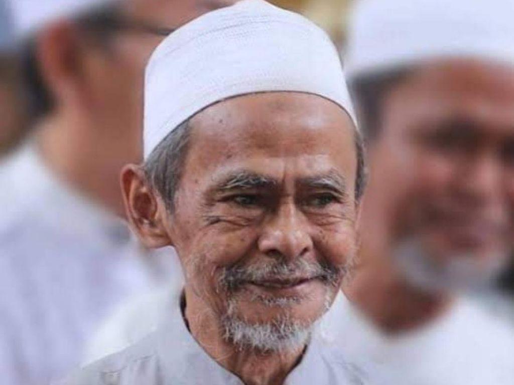 Kisah KH Nawawi Abdul Jalil Sidogiri Didatangi Malaikat Izrail