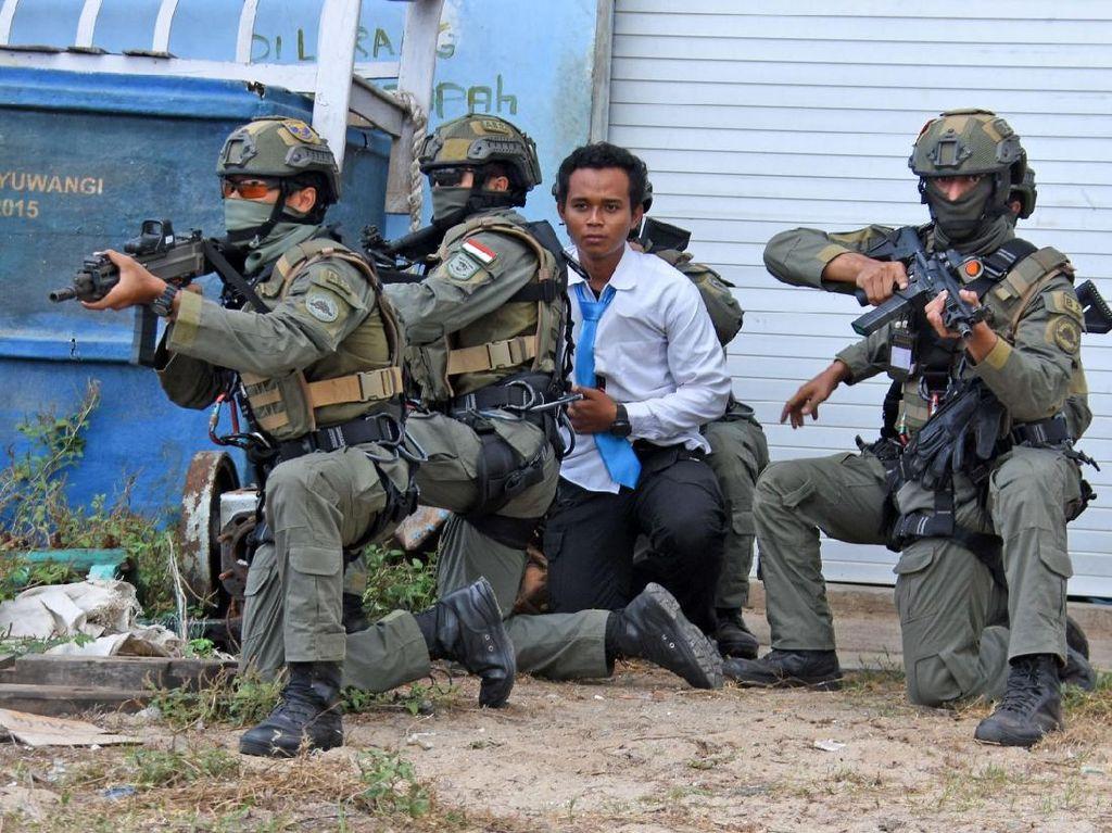 Marinir Indonesia Dan Amerika Serikat Latihan Bebaskan Sandera di Banyuwangi