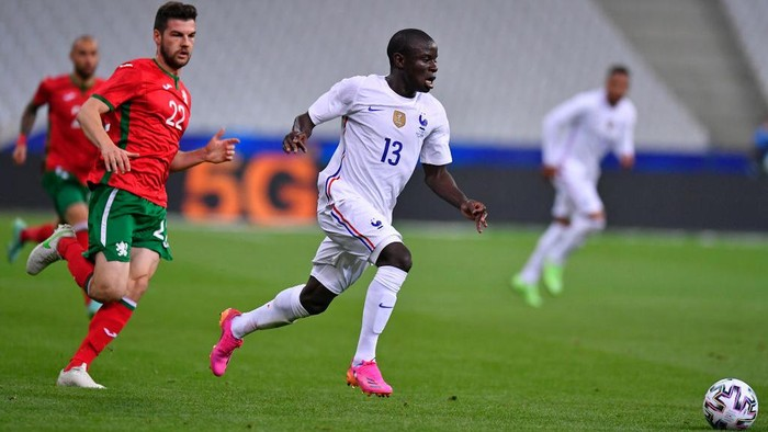 PARIS, FRANCE - JUNE 08: Ngolo Kante of France runs with the ball during the international friendly match between France and Bulgaria at Stade de France on June 08, 2021 in Paris, France. (Photo by Aurelien Meunier/Getty Images)