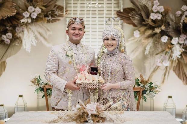 Pernikahan Kesha Ratuliu Yang Bertema rose Gold / sumber : instagram.com/kesharatuliu05