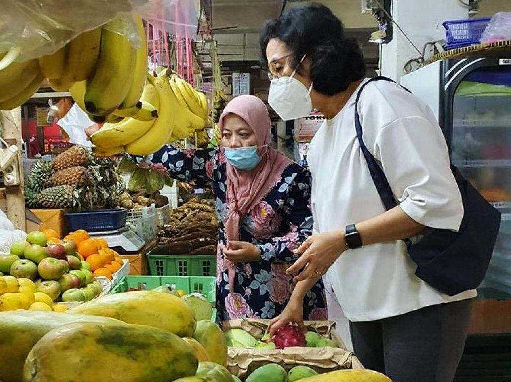 Kala Sri Mulyani Bicara Pajak Sembako ke Pedagang Pasar