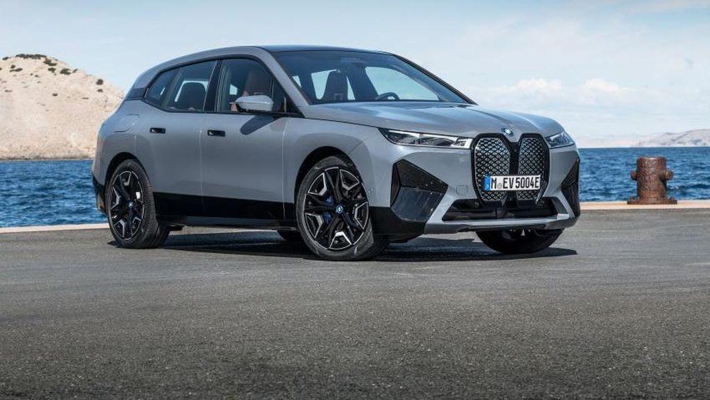 SUV Listrik BMW iX Seharga Rp 2 Miliaran
