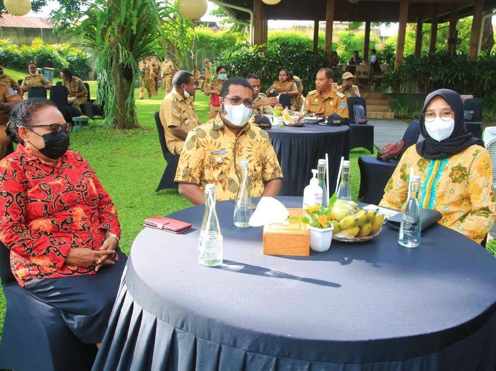 Bupati dan Ketua DPRD Biak Numfor-Papua Belajar Pariwisata ke Banyuwangi