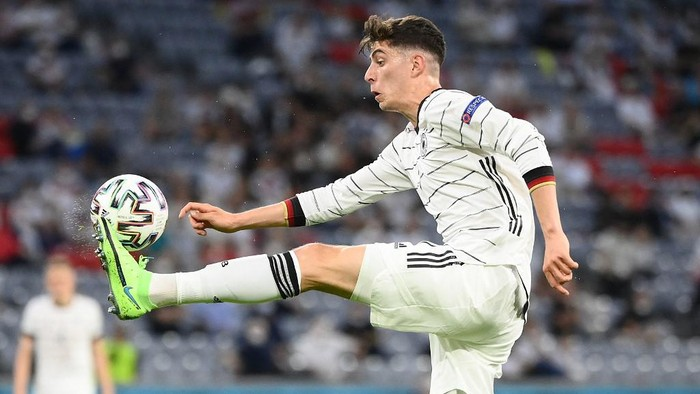 Germanys forward Kai Havertz controls the ball during the UEFA EURO 2020 Group F football match between France and Germany at the Allianz Arena in Munich on June 15, 2021. (Photo by FRANCK FIFE / POOL / AFP)
