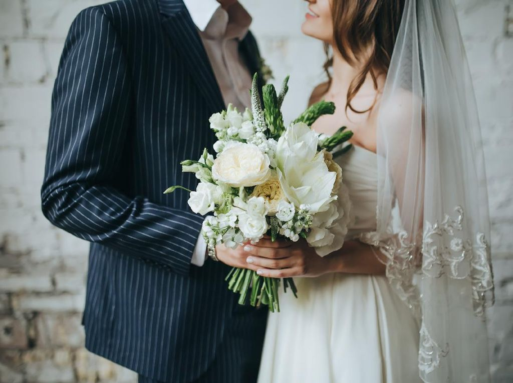 Kisah Suami Pergoki Istri Nikahi Pria Lain di Medsos, Ternyata Kena Tipu