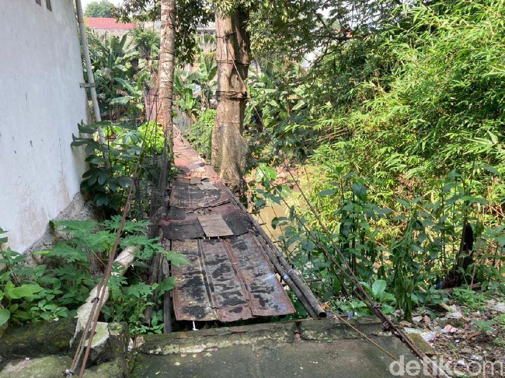 Ada Jembatan Gantung Lapuk di Srengseng Sawah, PDIP Minta Anies Peka