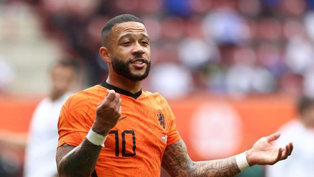 ENSCHEDE, NETHERLANDS - JUNE 06: Memphis Depay of Netherlands reacts during the international friendly match between Netherlands and Georgia at De Grolsch Veste Stadium on June 06, 2021 in Enschede, Netherlands. (Photo by Mika Volkmann/Getty Images)