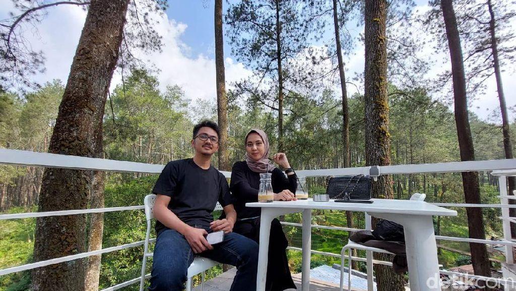 Menikmati Kopi dan Sejuknya Hutan Pinus di Lembang