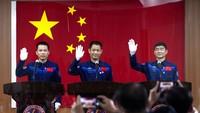 Potret Para Astronot China yang Bakal Meluncur ke Ruang Angkasa