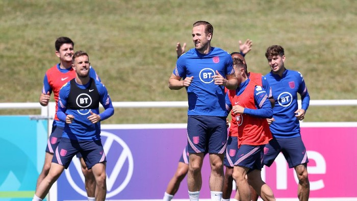 BURTON UPON TRENT, ENGLAND - JUNE 15: Harry Kane of England at an England training session at St Georges Park on June 15, 2021 in Burton upon Trent, England. (Photo by Catherine Ivill/Getty Images)