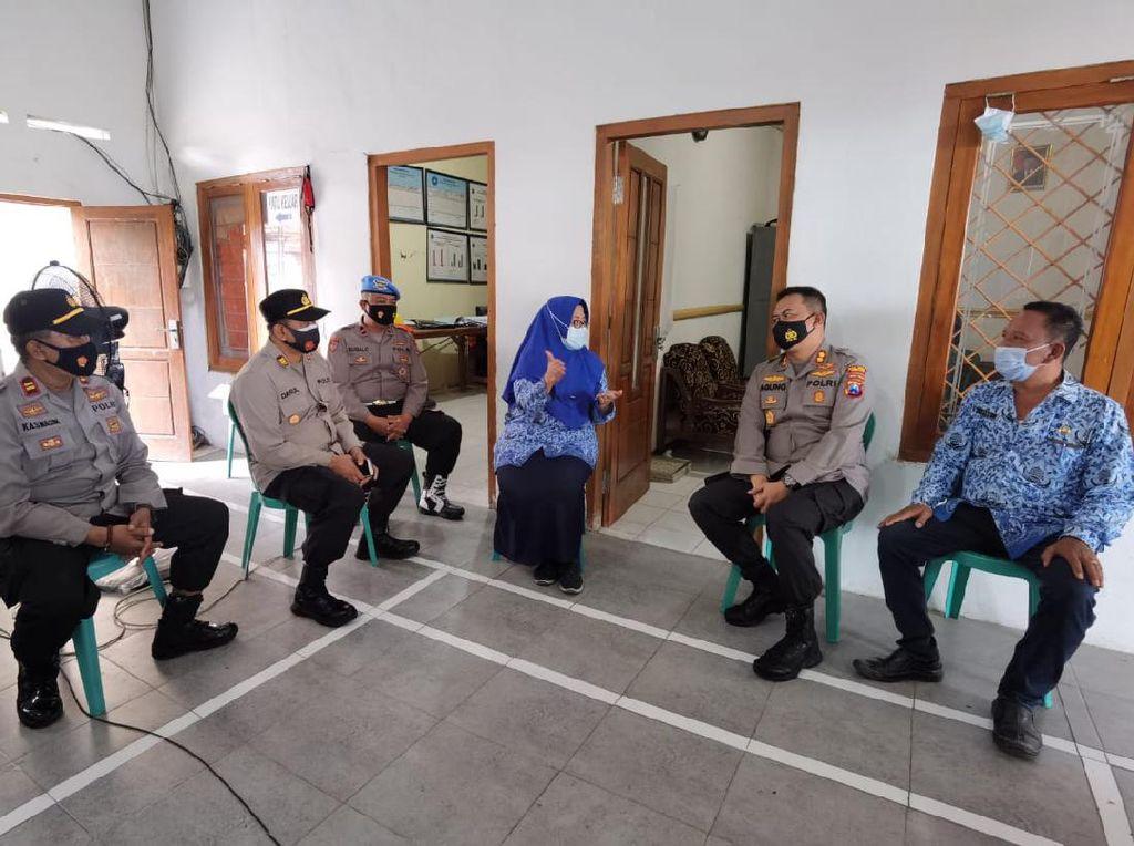 Begini Cara Polisi Percepat Vaksinasi COVID-19 di Jombang