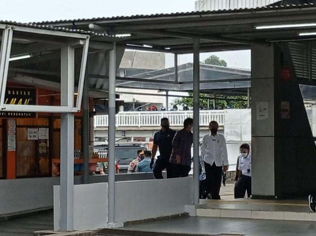 Didampingi Kang Emil, Jokowi Tinjau Vaksinasi di Stasiun Bogor-Pakansari