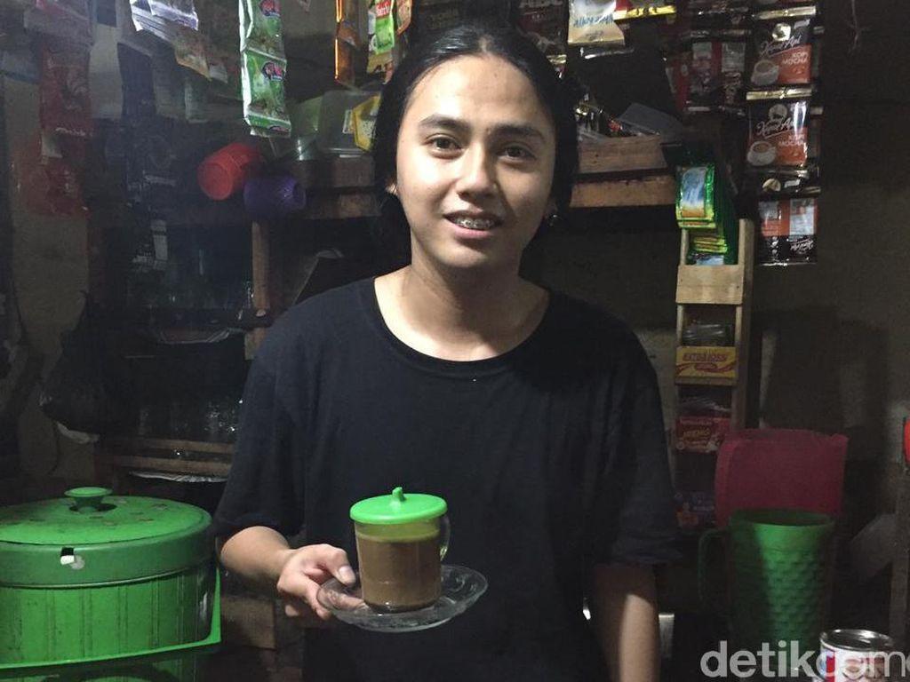Warkop Cowok Berparas Cantik di Surabaya Semakin Laris Usai Viral