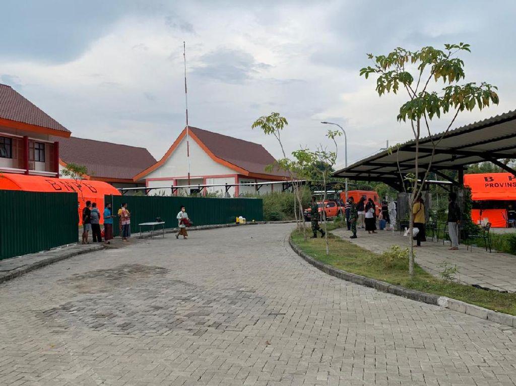 Pasien COVID-19 Asal Madura Mulai Penuhi RS Darurat Bangkalan