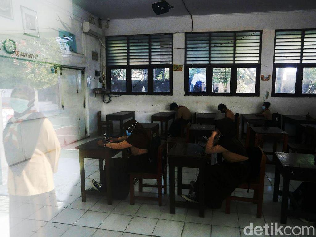 COVID di Jakarta Melonjak, Bagaimana Nasib Sekolah Tatap Muka Juli?