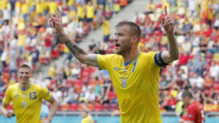BUCHAREST, ROMANIA - JUNE 17: Andriy Yarmolenko of Ukraine celebrates after scoring their sides first goal during the UEFA Euro 2020 Championship Group C match between Ukraine and North Macedonia at National Arena on June 17, 2021 in Bucharest, Romania. (Photo by Robert Ghement - Pool/Getty Images)