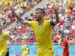 Ledek Ronaldo dan Pogba, Yarmolenko: Soda dan Bir Bisa Kontak Saya!