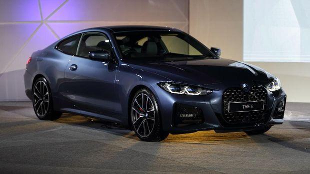 Dua model BMW Seri 4, 430i Coupe M Sports Pro dan 430i Convertible M Sport, meluncur di Indonesia, Kamis (17/6/2021).