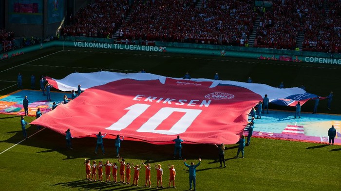 COPENHAGEN, DENMARK - JUNE 17: A large replica Denmark shirt with Christian Eriksen, Number Ten is displayed on the pitch prior to the UEFA Euro 2020 Championship Group B match between Denmark and Belgium at Parken Stadium on June 17, 2021 in Copenhagen, Denmark. (Photo by Hanna McKay - Pool/Getty Images)
