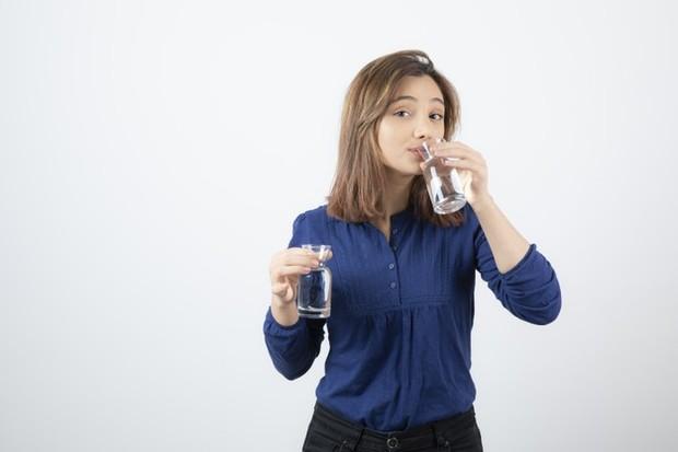 drink water (sumber : freepik)