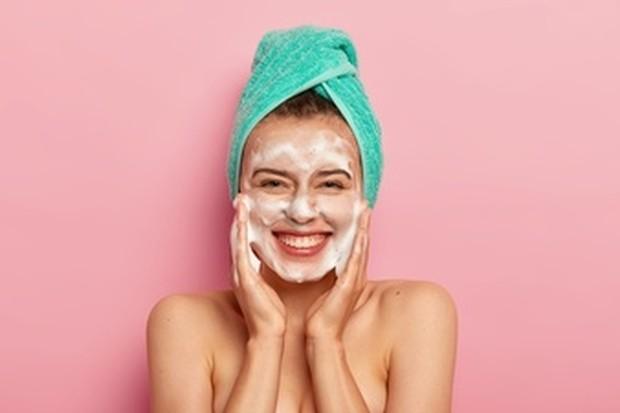 face wash (sumber : freepik)