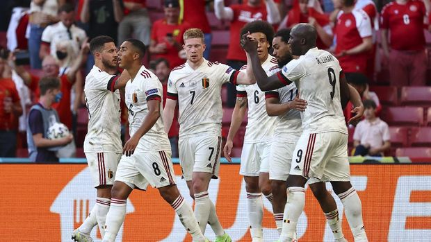 Belgium's Kevin De Bruyne, number 7, celebrates after scoring his side's 2nd goal during the Euro 2020 soccer championship group B match between Denmark and Belgium, at the Parken stadium in Copenhagen, Thursday, June 17, 2021. (Wolfgang Rattay, Pool via AP)