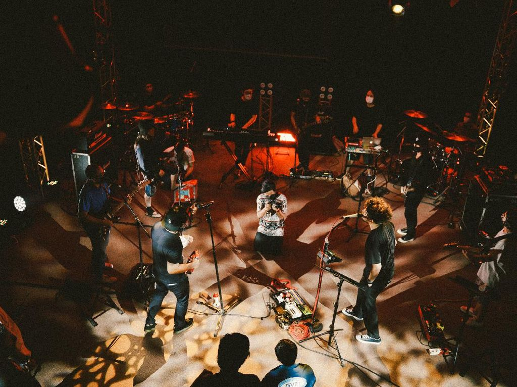 Pecah! Jamrud-Kunto Aji Kawinkan Musik Rock dan Jazz