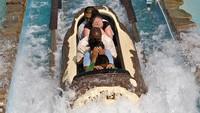 Kecelakaan Wahana Air di Taman Hiburan, 2 Wisatawan Dilarikan ke RS