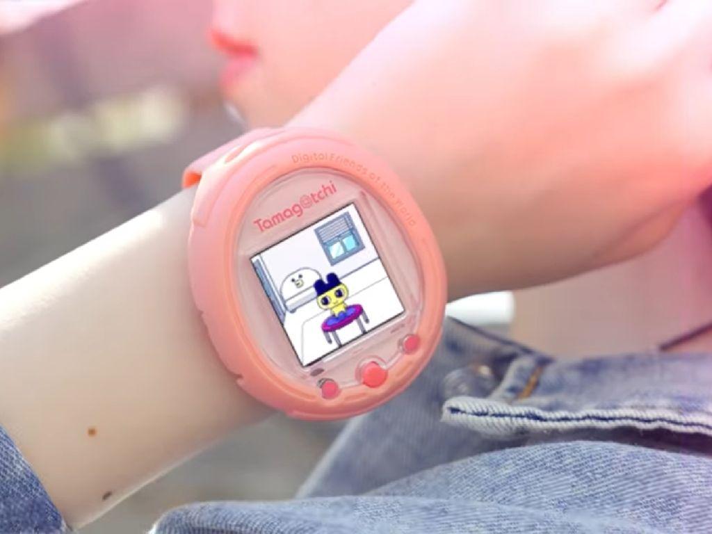 Tamagotchi Hidup Kembali, Kini Jadi Smartwatch Modern