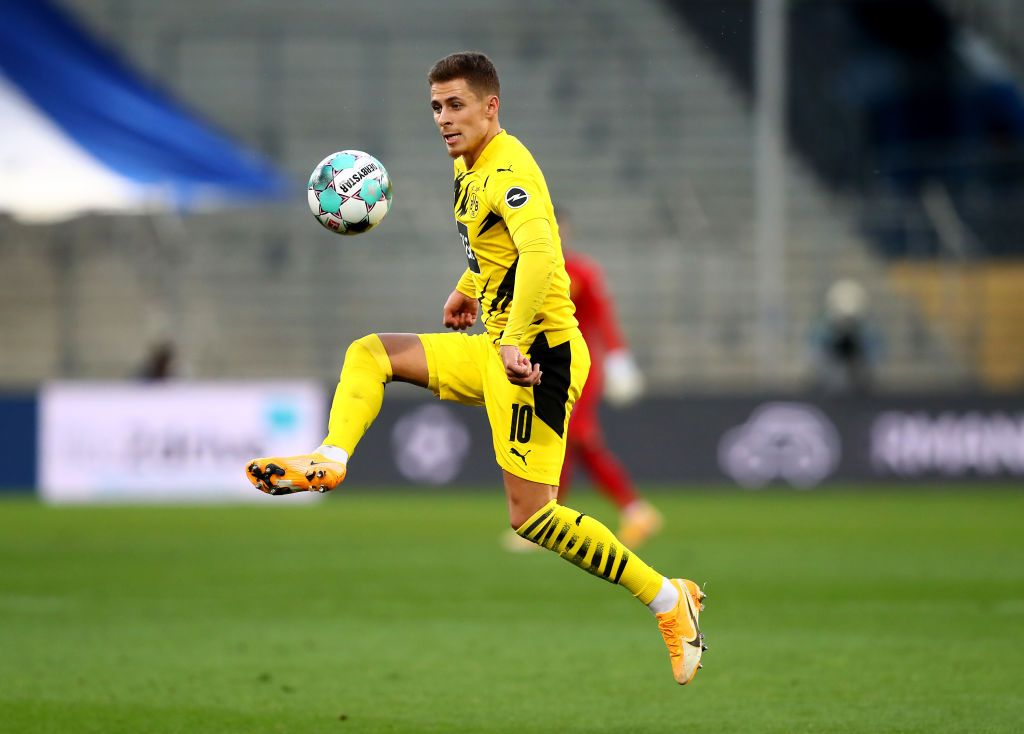 BIELEFELD, GERMANY - OCTOBER 31: Thorgan Hazard of Dortmund runs with the ball during the Bundesliga match between DSC Arminia Bielefeld and Borussia Dortmund at Schueco Arena on October 31, 2020 in Bielefeld, Germany. (Photo by Martin Rose/Getty Images)
