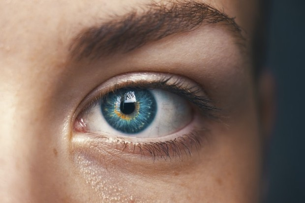Pertama-tama perhatikan dulu warna matamu