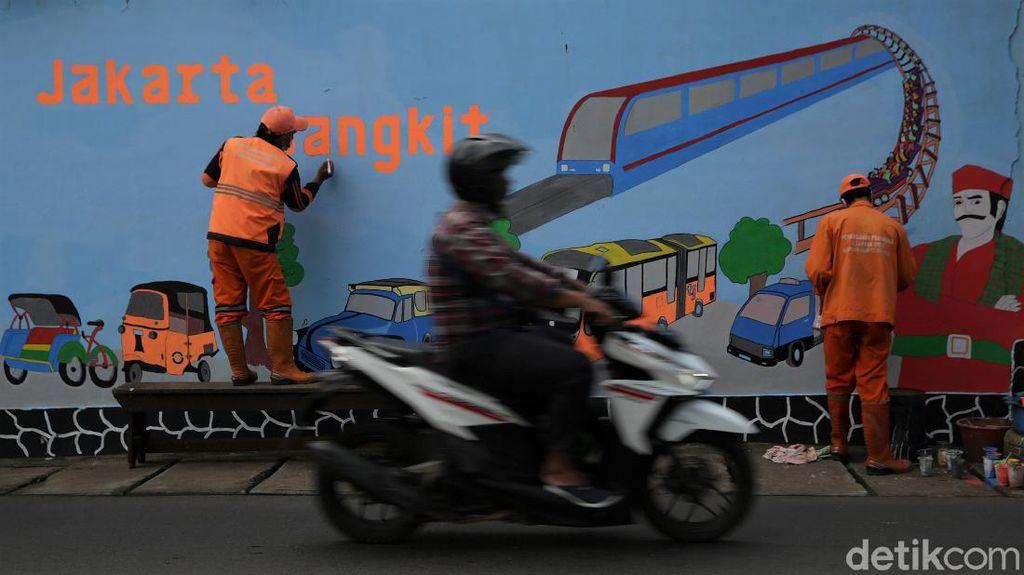Warna-warni Mural Sambut HUT DKI Jakarta Ke-494