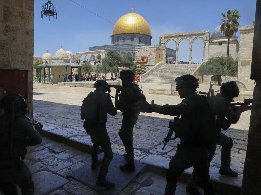 Bentrokan Warga Palestina dan Polisi Israel di Kompleks Al-Aqsa, 3 Orang Terluka