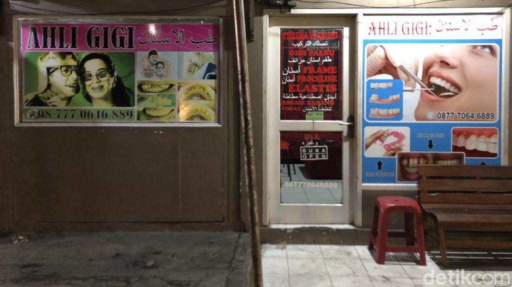 Lonjakan Corona Bikin Pertokoan Khas Arab di Puncak Sepi