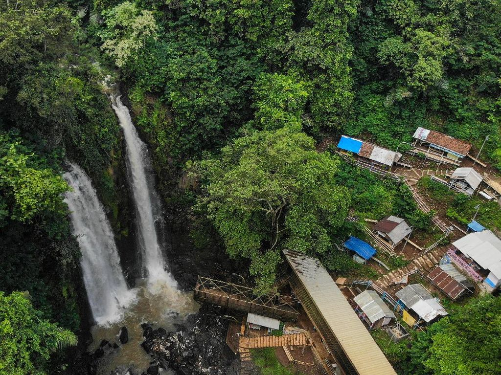 Wisata Air Terjun Cinulang Bandung Ditutup