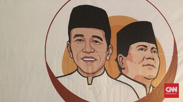Penasihat Relawan Jokowi-Prabowo 2024, M Qodari (Kanan) di Sekretariat Relawan Jokpro, Mampang, Jakarta