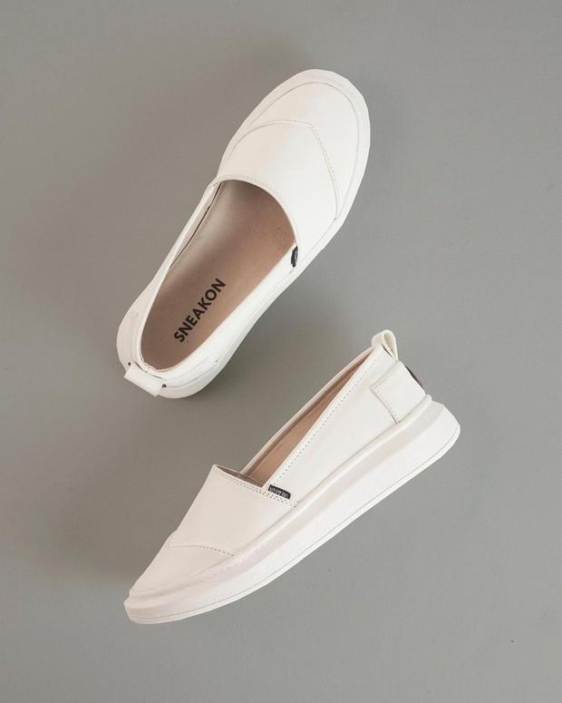 Sepatu Putih Wanita dari Brand Lokal