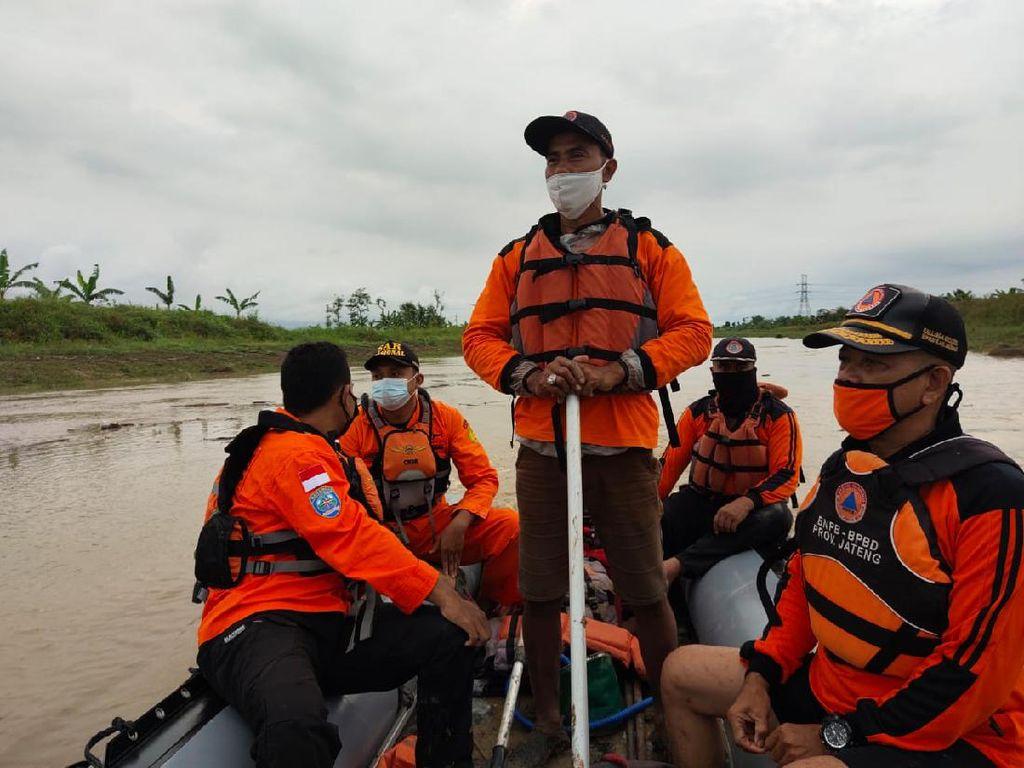 Seorang ABG Hilang Tenggelam di Sungai Demak