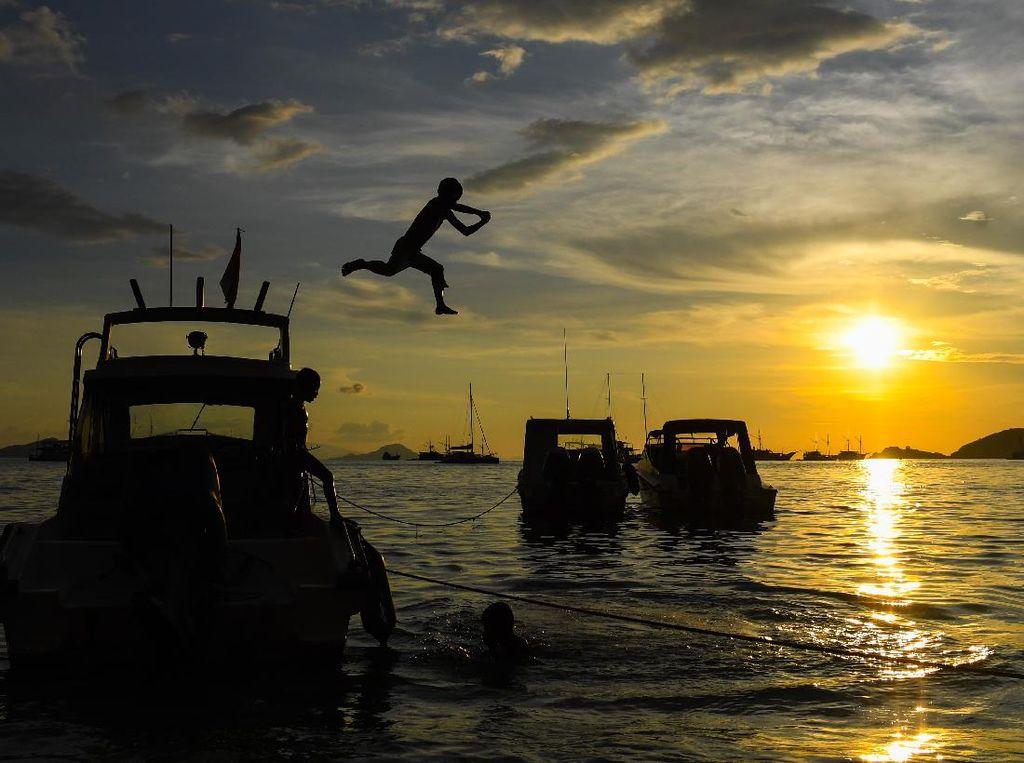 Pesona Sunset Labuan Bajo Bikin Jatuh Cinta Gaes
