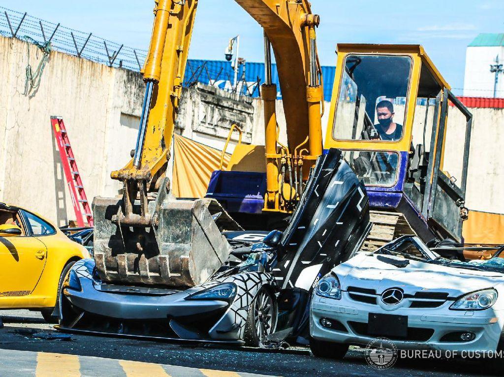 Mobil-Mobil Mewah Selundupan Dimusnahkan Bea Cukai Filipina